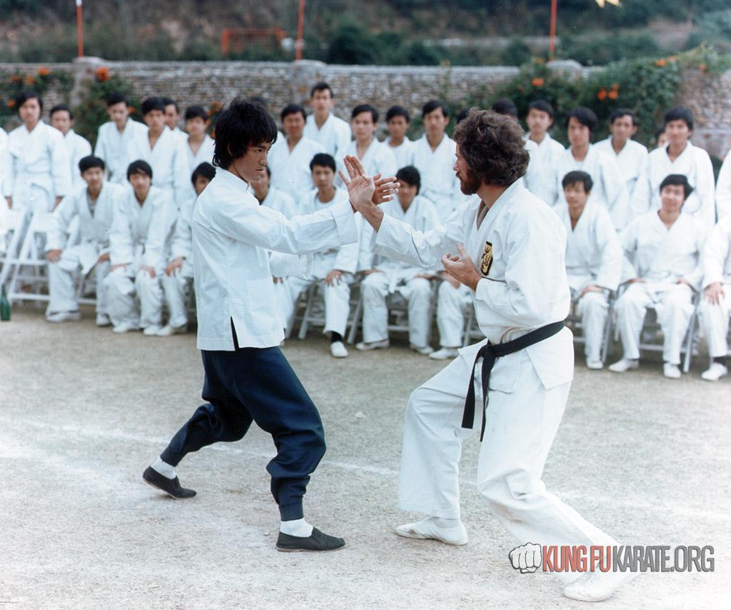 Bruce Lee against Bob Wall